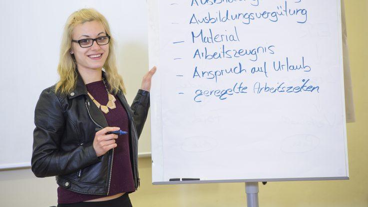 Teilnehmerin des Vorbereitungskurses für die Ausbildung in Teilzeit